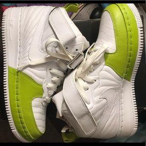 Air Jordan Force 12's
